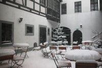 Unser romantischer Innenhof im Winter